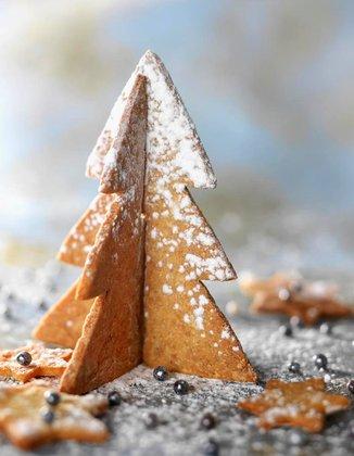 Ginger shortbread Christmas tree