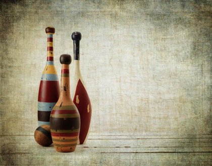 bowling pins, old, vintage