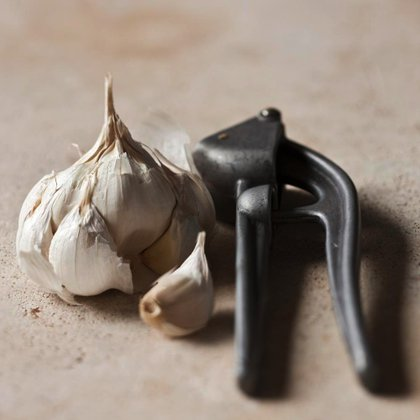 White garlic from Lomagne