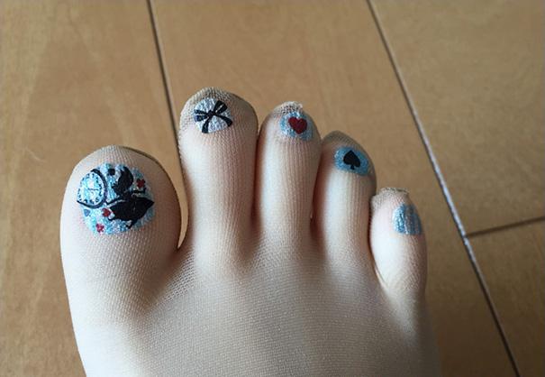 pantyhose Nail polish